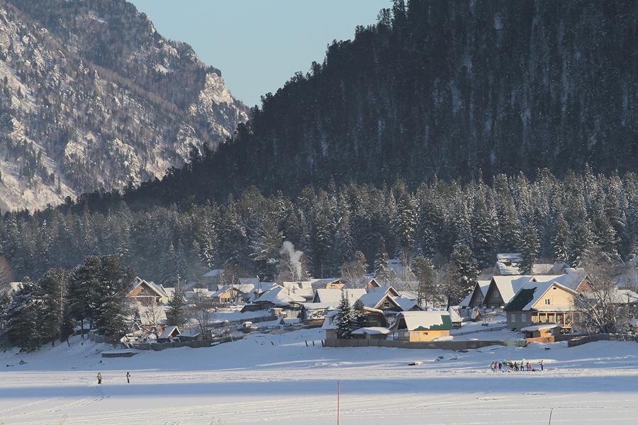 Базы, работающие зимой